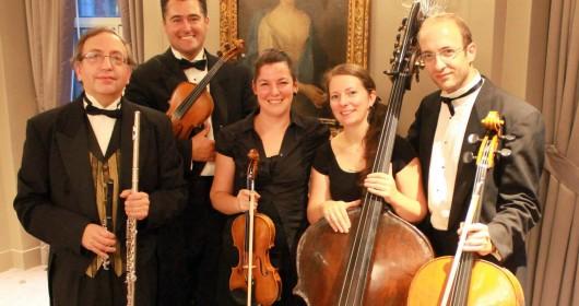 A MUSICAL NIGHT IN DOWNTON ABBEY Deux violons, violoncelle, contrebasse, flûte traversière et voix